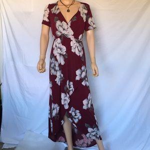 Vanilla Bay floral maxi dress 👗
